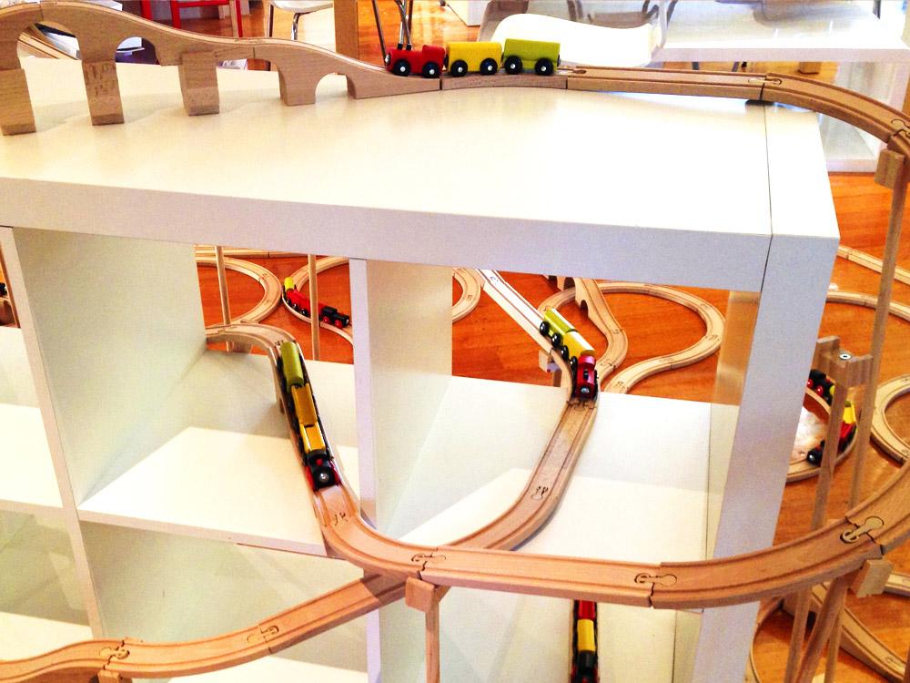 far right aschi s crazy razer a real fun toy trains trains trains