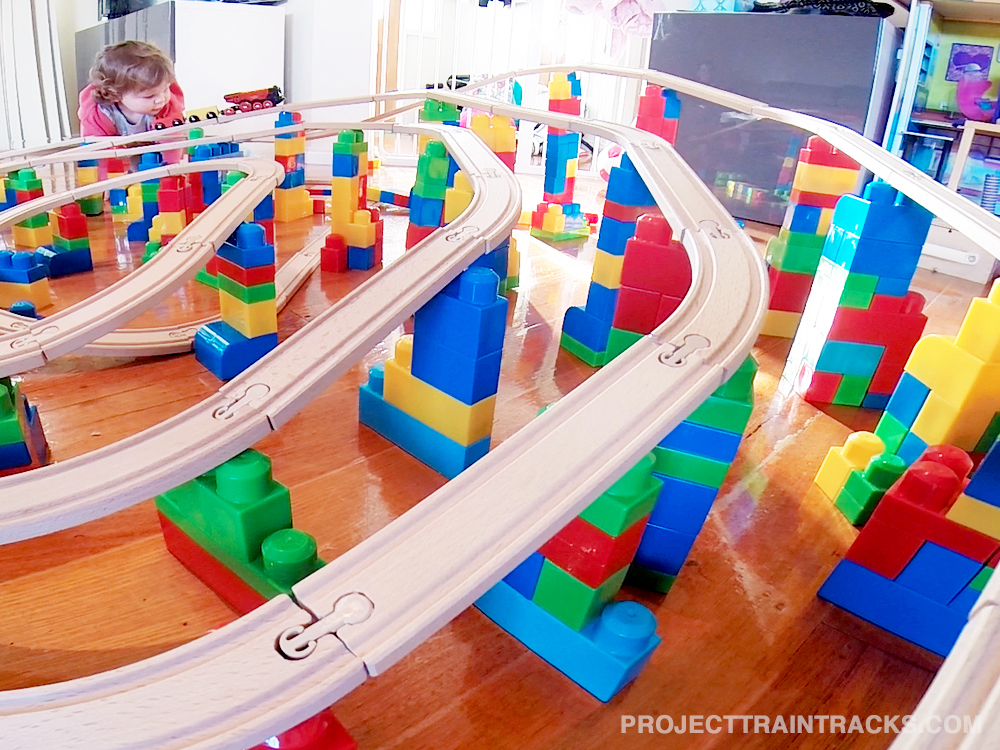 Flying train set on mega bloks